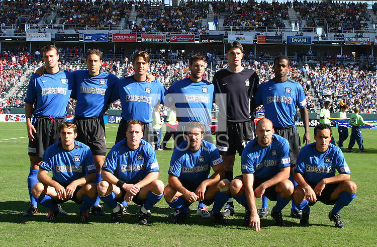 San Jose Earthquakes team photo prior to defeating the Chicago Fire 4-2 in the MLS Cup Championships, in Carson, Calif.