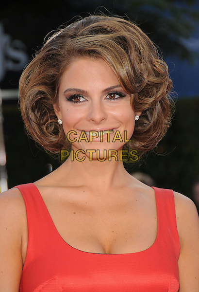 "MARIA MENOUNOS.The Dreamwork's L.A. Premiere of ""Tropic Thunder"" held at The Mann's Village Theatre in Westwood, California, USA..August 11th, 2008.headshot portrait cleavage hand.CAP/DVS.©Debbie VanStory/Capital Pictures."
