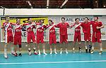 Nach 167 L&permil;nderspielen mit 576 Toren beendet Holger Glandorf seine Karriere in der deutschen Handball-Nationalmannschaft. Der 31-j&permil;hrige Linksh&permil;nder war 2007 Weltmeister und gewann im Juni mit der SG Flensburg-Handewitt die Champions League<br /> Archiv aus: <br />  HBL 2006/2007 Hinrunde,  6. Spieltag, Wilhelmshavener HV - HSG Nordhorn <br /> Nach dem 31:30-Ausw&permil;rtssieg zeigen sich die HSG-Spieler ihren Fans und machen dabei Luftspr&cedil;nge.<br /> V.l.: Jan Filip (10), Bjarte Myrhol (8), Mark Bult (21), Holger glandorf (11),  Machiel Schepers (7), Daniel Kubes (14),  Pavel Mickal (9), Nicky Verjans (2) und Rastko Stojkovic (19)<br /> <br /> Foto &copy; nordphoto *** Local Caption *** Foto ist honorarpflichtig! zzgl. gesetzl. MwSt.<br /> <br /> Belegexemplar erforderlich
