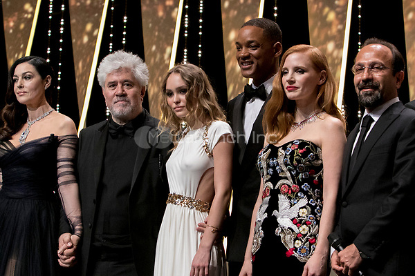 Monica Bellucci (l-r), Pedro Almodovar, Lily-Rose Depp, Will Smith, Jessica Chastain pose onstage at the Opening Ceremony of the 70th Annual Cannes Film Festival at Palais des Festivals in Cannes, France, on 17 May 2017. Photo: Hubert Boesl <br />