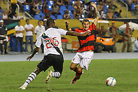 RIO DE JANEIRO, RJ, 22 DE FEVEREIRO 2012 - CAMPEONATO CARIOCA - SEMIFINAL - TAÇA GUANABARA - VASCO X FLAMENGO - Bottinelli, jogador do Flamengo, durante partida contra o Vasco, pela semifinal da Taça Guanabara, no estádio Engenhão, na cidade do Rio de Janeiro, nesta quarta-feira, 22. FOTO: BRUNO TURANO – BRAZIL PHOTO PRESS.