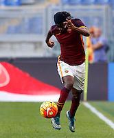Calcio, Serie A: Roma vs Lazio. Roma, stadio Olimpico, 8 novembre 2015.<br /> Roma's Gervinho in action during the Italian Serie A football match between Roma and Lazio at Rome's Olympic stadium, 8 November 2015.<br /> UPDATE IMAGES PRESS/Riccardo De Luca