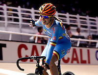 CALI - COLOMBIA - 26-02-2014: Kelly Druyts de Belgica gana medalla de oro durante final de la prueba de Damas Scratch  en el Velodromo Alcides Nieto Patiño, sede del Campeonato Mundial UCI de Ciclismo Pista 2014. / Kelly Druyts of Belgium wins the gold medal during final of the test of the women´s Scratch in Alcides Nieto Patiño Velodrome, home of the 2014 UCI Track Cycling World Championships. Photos: VizzorImage / Juan C Quintero/ Str.