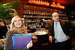 Alain Juppé en campagne pour les municipales 2008 / Au Plana place de la Victoire / Maire de Bordeaux réélu le 14 mars 2008 / 33 Gironde / Rég. Aquitaine / Alain Juppé Mayor of Bordeaux / Aquitaine / France