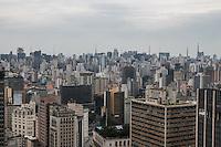 SÃO PAULO, SP, 12.11.2014 - CLIMATEMPO/ SÃO PAULO - Tempo permanece nublado na tarde desta quarta-feira (12), na região central de São Paulo (ao fundo a região da Av. Paulista). (Foto: Taba Benedicto/ Brazil Photo Press)