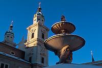 Dom und Residenzbrunnen  in  Salzburg, Österreich