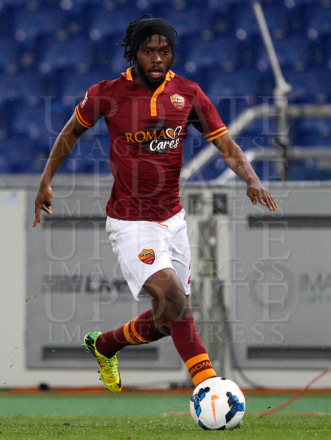 Calcio, Serie A: Roma vs Torino. Roma, stadio Olimpico, 25 marzo 2014.<br /> AS Roma forward Gervinho, of Ivory Coast, in action during the Italian Serie A football match between AS Roma and Torino at Rome's Olympic stadium, 25 March 2014.<br /> UPDATE IMAGES PRESS/Riccardo De Luca