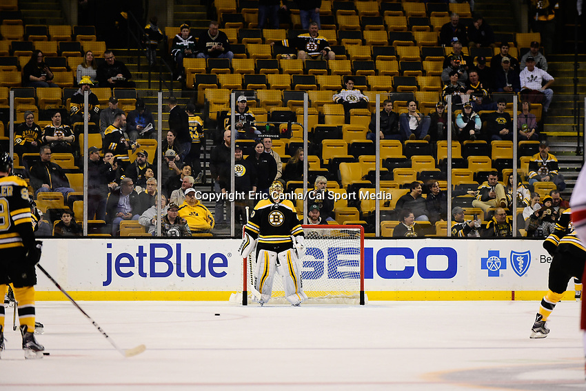 Thursday, December 1, 2016: Boston Bruins goalie Tuukka Rask (40) warms up before the start of the National Hockey League game between the Carolina Hurricanes and the Boston Bruins held at TD Garden, in Boston, Mass. Boston defeats Carolina 2-1 in an overtime shoot-out. Eric Canha/CSM