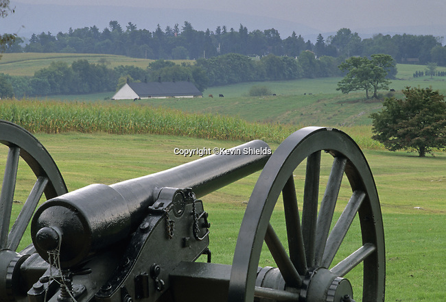 Civil War cannon at Antietam National Battlefield, Sharpsburg, Maryland, USA