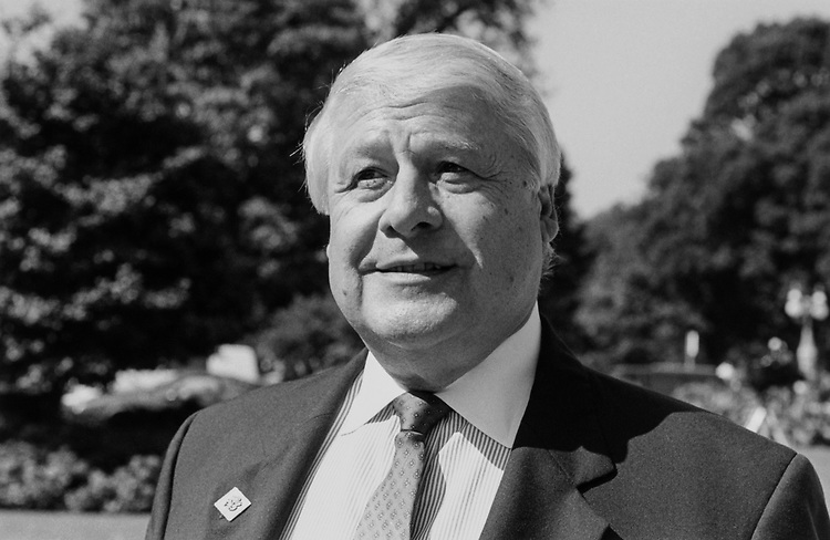 Rep. Joseph P. Kolter, D-Pa. in 1989. (Photo by Maureen Keating/CQ Roll Call)