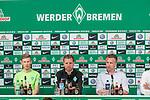 10.05.2018, Weserstadion, Bremen, GER, 1.FBL, Pressekonferenz Werder Bremen, <br /> <br /> im Bild<br /> &Uuml;bersicht, Florian Kainz (Werder Bremen #07), Florian Kohfeldt (Trainer SV Werder Bremen), Frank Baumann (Gesch&auml;ftsf&uuml;hrer Fu&szlig;ball Werder Bremen), <br /> <br /> Foto &copy; nordphoto / Ewert