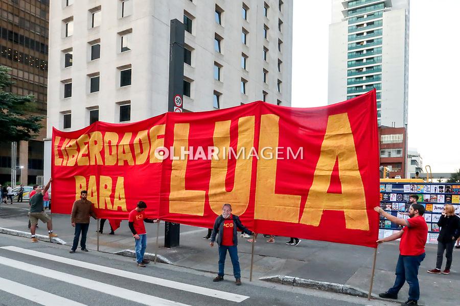 Campanha politica do PCO Partido da Causa Operaria. Domingo de lazer na Avenida Paulista. Sao Paulo. 2019. Foto Juca Martins