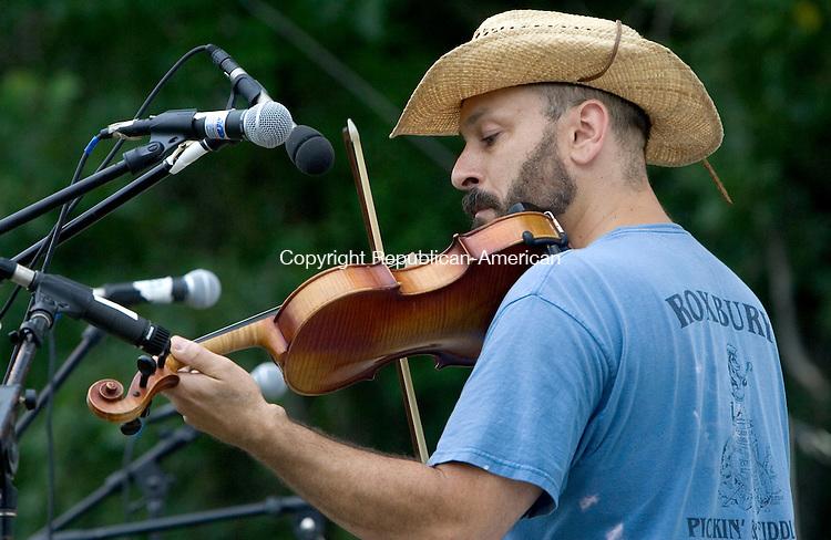 ROXBURY CT. 13 July 2013-071313SV07-Greg Piacentini of Beacon Falls plays the violin during the 39th annual Pickin ' &amp; Fiddlin ' Contest in Roxbury Saturday.<br /> Steven Valenti Republican-American