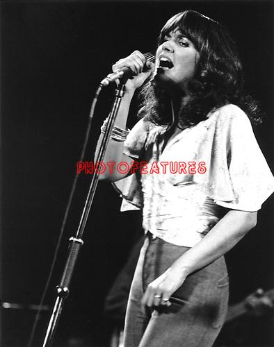 Linda Ronstadt 1976..© Chris Walter..