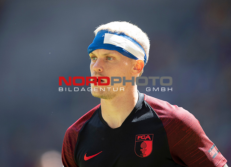 Philipp MAX (A) mit Kopfturban<br /><br />Fussball 1. Bundesliga, 33.Spieltag, Fortuna Duesseldorf (D) -  FC Augsburg (A), am 20.06.2020 in Duesseldorf/ Deutschland. <br /><br />Foto: AnkeWaelischmiller/Sven Simon/ Pool/ via Meuter/Nordphoto<br /><br /># Editorial use only #<br /># DFL regulations prohibit any use of photographs as image sequences and/or quasi-video #<br /># National and international news- agencies out #