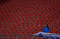 SÃO PAULO, SP, 26 DE SETEMBRO DE 2013 - COPA SUL-AMERICANA - SÃO PAULO x UNIVERSIDAD CATÓLICA: Torcida do Universidad Catolica durante São Paulo x Universidad Católica, partida válida pelas oitavas de final da Copa Sul-Americana, disputada no estádio do Morumbi em São Paulo. FOTO: LEVI BIANCO - BRAZIL PHOTO PRESS.