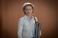 Verteidigungsministerin Ursula von der Leyen (CDU) nimmt am Mittwoch (21.09.16) in Berlin an der Sitzung des Bundeskabinetts teil.<br /> Foto: Axel Schmidt/CommonLens