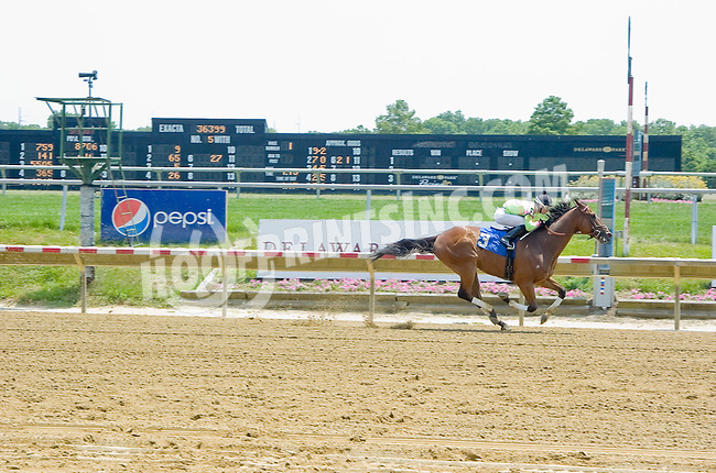 Front Row winning at Delaware Park on 6/28/12