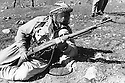 Iraq 1974 <br /> The resumption of hostilities, training of peshmergas with gas mask   <br /> Irak 1974 <br /> La reprise de la lutte arm&eacute;e, entrainement militaire des peshmergas avec des masques a gas