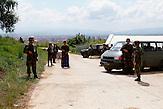 Ein Ausbildungslager der Forca e Sigurisë së Kosovës, FSK, der Sicherheitskräfte der Republik Kosovo. Hier wird eine Straßensperre trainiert. / A training camp of Forca e Kosovës Sigurisë SE, FSK, the security forces of the Republic of Kosovo. The picture shows a practical exercise: a road-block.
