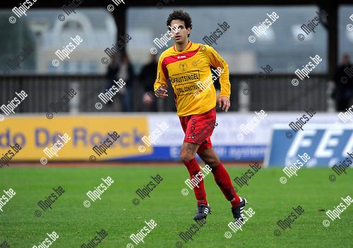 2010-11-07 / Voetbal / seizoen 2010-2011 / Duffel - Sint-Gillis-Waas / Raphaël Galeri..Foto: Mpics
