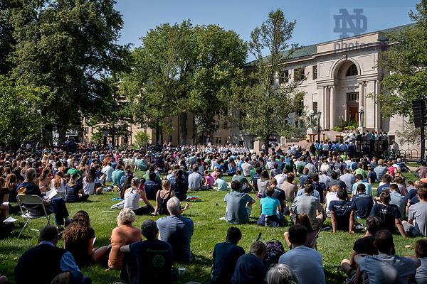 August 26, 2017; ND Trail day 13: Mass on Bond Quad (Photo by Matt Cashore/University of Notre Dame)
