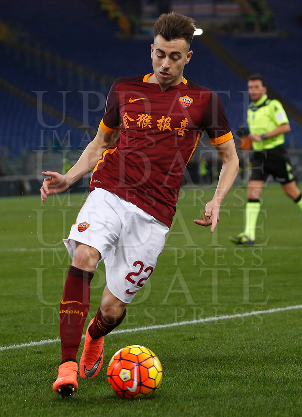 Calcio, Serie A: Roma vs Sampdoria. Roma, stadio Olimpico, 7 febbraio 2016.<br /> Roma&rsquo;s Stephan El Shaarawy in action during the Italian Serie A football match between Roma and Sampdoria at Rome's Olympic stadium, 7 January 2016.<br /> UPDATE IMAGES PRESS/Riccardo De Luca