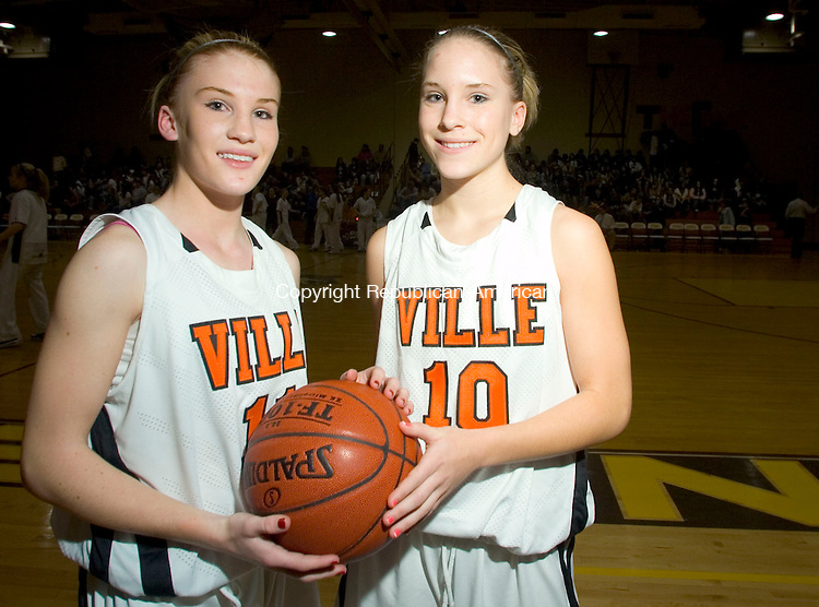 THOMASTON, CT- 11 JAN 2008- 011108JT13-<br /> Shannon Skidmore, left and twin sister Meaghan before Friday's game against Thomaston.<br /> Josalee Thrift / Republican-American