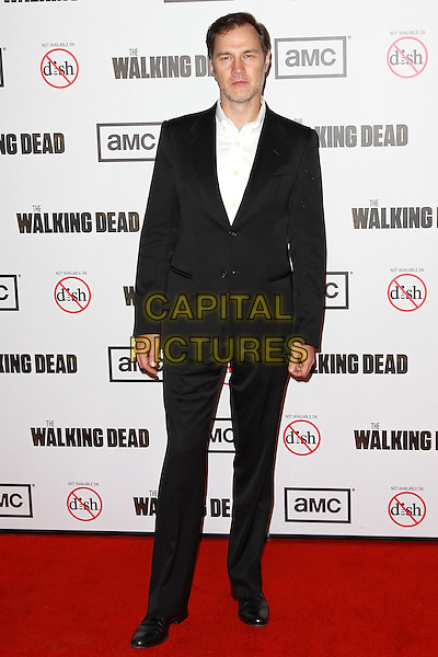 "David Morrissey.Premiere Screening For ""The Walking Dead"" Season 3, Los Angeles, California, USA, 4th October 2012..full length suit black white shirt .CAP/ADM/PH.©Paul A. Hebert/AdMedia/Capital Pictures."