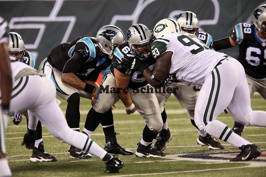 NT Kendrick Ellis (Jets) gegen C Ryan Khalil (Panthers)
