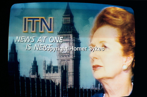MARGARET THATCHER'S RESIGNATION ANNOUNCED ON ITN NEWS 22/11/90, 1990