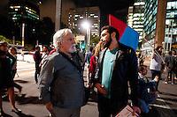 SAO PAULO, SP, 29.04.2015 - PROTESTO-SP - Grupo faz protesto e projeção na frente da sede do Branco Central da avenida Paulista, exigindo uma auditoria nas dividas públicas nesta quarta-feira, 29 (Foto: Gabriel Soares/Brazil Photo Press)