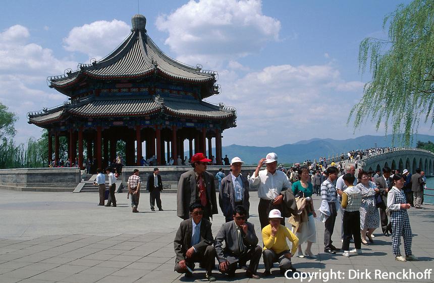 Am Kunming-See im Sommerpalast (YiHeYuan) in Peking, China, Unesco-Weltkulturerbe