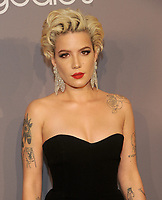 NEW YORK, NY - FEBRUARY 07: Halsey attends the 2018 amFAR New York Gala at cipriani Wall Street on February 7, 2018 in New York City.  <br /> CAP/MPI/JP<br /> &copy;JP/MPI/Capital Pictures