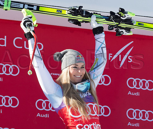 23.01.2016. Cortina d Ampezzo, Italy, FIS Womens World Cup Downhill Skiing. Winner Lindsey Vonn of the USA during award  ceremony