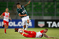 VALPARAISO - CHILE - 13 - 02 - 2018: Enzo Gutierrez (Izq.) jugador de Santiago Wanderers disputa el balón con William Tesillo (Der.) jugador de Independiente Santa Fe, durante partido de ida entre Santiago Wanderers (CHL) y el Independiente Santa Fe (COL), de la fase 3 llave 1 por la Copa Conmebol Libertadores 2018, jugado en el estadio Bicentenario Elias Figueroa de la ciudad de Valparaiso. / Enzo Gutierrez (L) player of Santiago Wanderers vies for the ball with William Tesillo (R) player of Independiente Santa Fe, during a match of the first leg between Santiago Wanderers (CHL) and Independiente Santa Fe (COL), of the 3rd phase key 1 for the Copa Conmebol Libertadores 2018 at the Bicentenario Elias Figueroa Stadium in Valparaiso City, Photo: VizzorImage / Andres Pina / Cont / Photosport