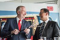 Alexander Kaczmarek, Konzernbevollmaechtigter der DB AG und Peter Buchner, Vorsitzender der Geschaeftsfuehrung der S-Bahn stellten am Mittwoch den 18. Juli 2018 die Qualitaetsoffensive der S-Bahn Berlin vor.<br /> Es sollen mehr als 30 Millionen Euro investiert werden um die Infrastruktur zu modernisieren und zusaetzliche Fahrzeugfuehrer ausgebildet werden.<br /> Im Bild vlnr.: Alexander Kaczmarek und Peter Buchner betrachten ein neues Signalkabel fuer die S-Bahn.<br /> 18.7.2018, Berlin<br /> Copyright: Christian-Ditsch.de<br /> [Inhaltsveraendernde Manipulation des Fotos nur nach ausdruecklicher Genehmigung des Fotografen. Vereinbarungen ueber Abtretung von Persoenlichkeitsrechten/Model Release der abgebildeten Person/Personen liegen nicht vor. NO MODEL RELEASE! Nur fuer Redaktionelle Zwecke. Don't publish without copyright Christian-Ditsch.de, Veroeffentlichung nur mit Fotografennennung, sowie gegen Honorar, MwSt. und Beleg. Konto: I N G - D i B a, IBAN DE58500105175400192269, BIC INGDDEFFXXX, Kontakt: post@christian-ditsch.de<br /> Bei der Bearbeitung der Dateiinformationen darf die Urheberkennzeichnung in den EXIF- und  IPTC-Daten nicht entfernt werden, diese sind in digitalen Medien nach §95c UrhG rechtlich geschuetzt. Der Urhebervermerk wird gemaess §13 UrhG verlangt.]