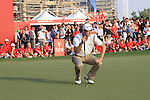 Martin Kaymer eyeing up his last putt on the 18th to win the Abu Dhabi HSBC Golf Championship 2011, at the Abu Dhabi golf club, UAE. 22/1/11..Picture Fran Caffrey/www.golffile.ie.