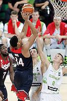 Slovenia's Edo Muric (r) and USA's Anthony Davis during 2014 FIBA Basketball World Cup Quarter-Finals match.September 9,2014.(ALTERPHOTOS/Acero)