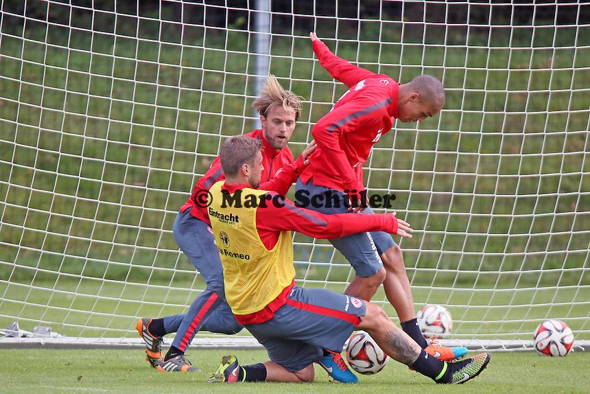 Marco Russ, Bamba Anderson und Timo Hildebrand (Eintracht) - Eintracht Frankfurt Training, Commerzbank Arena
