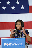 Lady Michelle Obama durnate la campaña en Davie, Florida.