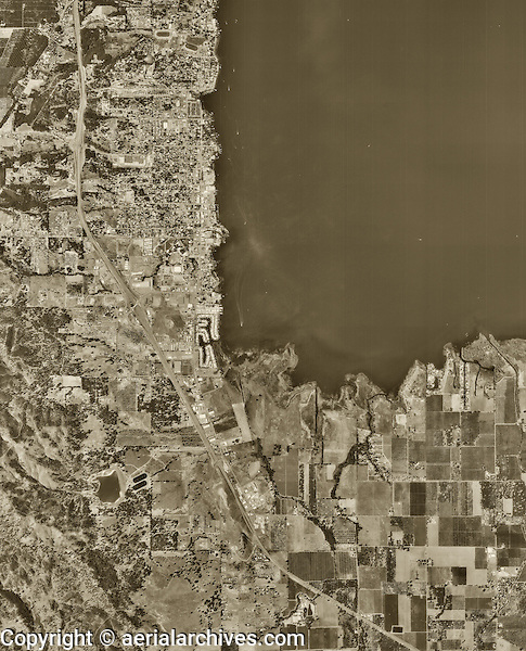 historical aerial photograph of Lakeport,CA, 1993