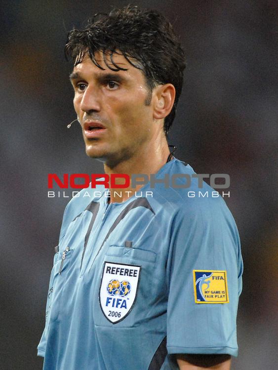FIFA WM 2006 -  Gruppe B Vorrunde ( Group B )<br /> Play    #35 (20-Jun) - Schweden vs England <br /> <br /> Schiedsrichter Massimo Busacca (SUI)<br /> <br /> Foto &copy; nordphoto