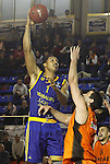 Montakit Fuenlabrada's Blagota Sekulic (r) and Herbalife Gran Canaria's Ryan Hollins during Eurocup, Top 16, Round 2 match. January 10, 2017. (ALTERPHOTOS/Acero)