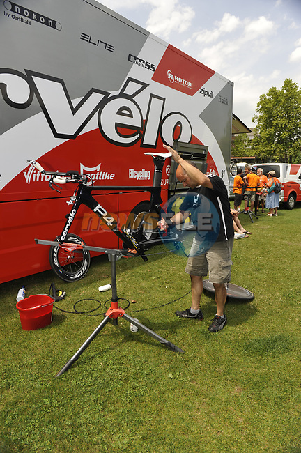 Cervelo Test Team mechanics prepare their bikes before Stage 18 of the Tour de France 2009 an individual time trial running 40.5km around Lake Annecy, France. 23rd July 2009 (Photo by Eoin Clarke/NEWSFILE)