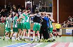 Stockholm 2014-09-26 Handboll Elitserien Hammarby IF - Ricoh HK :  <br /> Hammarbys spelare jublar i en ring efter matchen och segern &ouml;ver Ricoh<br /> (Foto: Kenta J&ouml;nsson) Nyckelord:  Eriksdalshallen Hammarby HIF HeIF Bajen Ricoh HK RHK jubel gl&auml;dje lycka glad happy