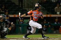 Jerry Owens de naranjeros, durante el juego de beisbol de Naranjeros vs Cañeros durante la primera serie de la Liga Mexicana del Pacifico.<br /> 15 octubre 2013