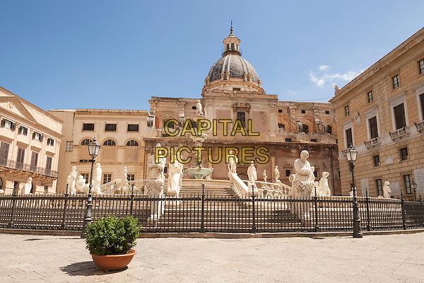 Fontana Pretoria and Santa Caterina Church, Piazza Pretoria, Palermo, Sicily, Italy<br /> August 2015<br /> CAP/MEL<br /> &copy;MEL/Capital Pictures
