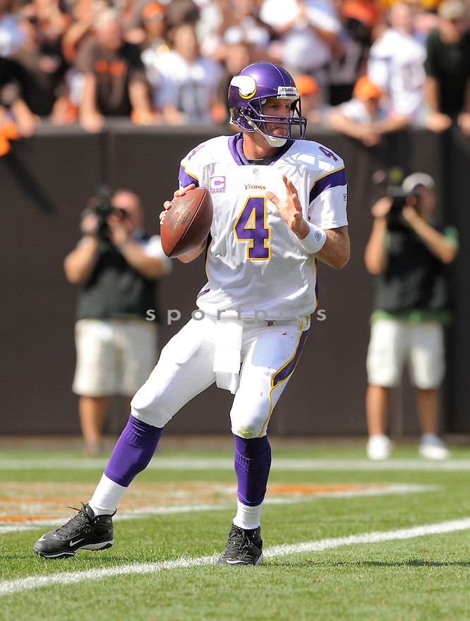 BRETT FAVRE,  of the Minnesota VIkings  in action  during the VIkings game against the Cleveland Browns in Cleveland, OH on September 13, 2009.The  Vikings beat the Browns  34-20...SportPics..