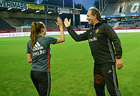 20170919 - LEUVEN , BELGIUM : Belgian assistant coach Kris Van Der Haegen pictured doing high five with Tessa Wullaert during the female soccer game between the Belgian Red Flames and Moldova , the first game in the qualificaton for the World Championship qualification round in group 6 for France 2019, Tuesday 19 th September 2017 at OHL Stadion Den Dreef in Leuven , Belgium. PHOTO SPORTPIX.BE | BELGA | DAVID CATRY